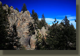 Granite outcroppings along the Round Mt Trail